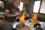 Peří kohouta ze 150 zlatých plátků: Ivan Vondráček (62) se podílí na rekonstrukci Staroměstského orloje