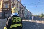 Únik plynu uzavřel ulici U Výstaviště! Hasiči evakuovali obyvatele okolních domů, tramvaje jezdily oklikou