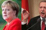 Merkelová si na večeři s Erdoganem u prezidenta nechala zajít chuť. Není sama