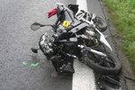 V Německu se těžce zranil český motorkář: Další při incidentu havarovali také