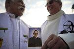 Papež svatořečil Pavla VI. a arcibiskupa, který bojoval proti diktatuře