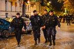 VIDEO: Nad Prahou se setmělo. Do centra metropole vyrazilo 140 policistů, hledali drogy
