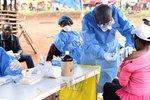 Epidemie eboly nepolevuje: Během pouhých pěti dní zabila v Kongu 19 lidí