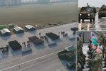 Velkolepá přehlídka za rohem: Vojáci pilují defilé před Zemanem ve větru i dešti