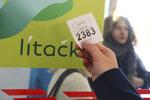 Legitka, Tramvajenka a Metropolka: Pražané navrhují přejmenování Lítačky, Hřib chystá průzkum