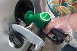 Benzin a nafta mírně zlevnily. Na Ústecku a jihu Čech natankujete nejlevněji