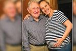 Absolonová 10 dní před termínem porodu: Obří břicho vyvalila na dědu (91)