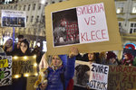 »Svoboda vs. klece!« V centru Prahy protestovalo 150 lidí proti chovu zvířat v cirkusech