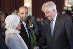 Muslimové patří k Německu, zmírnil kritik Merkelové ostrá slova. Vyžaduje ale respekt