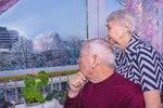Tisíce českých seniorů živoří pod hranicí chudoby. Žádat o dávky se stydí