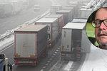 Ministr do každého počasí Ťok: Sněžení na D1 zvládneme, tvrdil v listopadu. Řiďte líp, vzkazuje teď