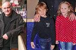 Kocáb vyvedl syna (7) a vnučku (6) do kina: Sehrál roli tatínka a dědečka v jednom!