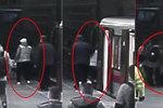 """VIDEO: Senior (75) vrávoral, pak """"zahučel"""" do kolejiště! Z nebezpečí ho vysvobodili strážník a cestující"""