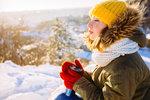 V zimě slunce tolik nesvítí, v létě se příliš chráníme. Máme dost vitaminu D?
