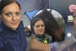 Policistka Anna je posedlá selfie. Jsi urážka strážců zákona, útočí na ni