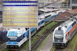 Desítky minut zpoždění: Vlak na hlavním tahu srazil a zabil člověka