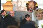Sledovali jsme ONLINE: Pohřeb Jiřího Pomeje (†54): Loučila se i Bartošová!