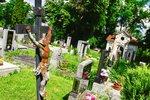 Nebušický hřbitov v novém: Opravila se zeď i vstup, přibyla společná hrobka