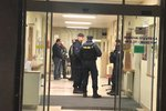 Šest mrtvých po střelbě v ostravské nemocnici: Pražská policie posílila bezpečnostní opatření!