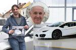"""""""Božské lambo"""" jede do Česka. Pan Vladislav (45) si pro něj byl u papeže"""