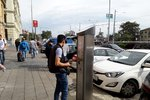 Necelé dva měsíce parkovacích nesnází: V Seifertově a Řehořově ulici pokládají optické kabely