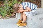 Čeho nejvíc lituju? Že jsem hodně často využívala veřejného hanění jako formy výchovy. Mnohem později jsem si uvědomila, že kritizovat děti před ostatními se nedělá. (Marie)