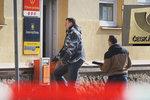 Lupič přepadl poštu v Olomouci: Odnesl si tisíce!