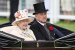 Smutné Vánoce královny Alžběty II.: Prince Philipa (98) odvezli do nemocnice!