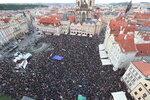 """Protest proti Babišovi: """"Benešová Marie mé zločiny zakryje,"""" bouřily tisíce lidí"""