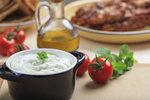 Jogurtová marináda na grilovaná stehna, křídla nebo prsa: Pikantní a voňavá!
