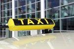 Bleskový zásah ve Vyškově: Prchajícího zločince zadržel taxikář
