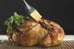 Jak grilovat na plynovém grilu? Tipy pro správně propečené kuře a bezchybný steak