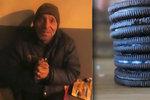 Zlý youtuber nakrmil bezdomovce zubní pastou: Dostal rok ve vězení a půlmilionovou pokutu