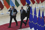 Další vládní přestřelka: Babiš přetlačil ČSSD, na předsednictví v EU půjde citelně méně peněz