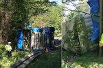 Opilý šofér havaroval na Hradecku s kamionem piva: V deset jsem pil a ve dvě řídil, připustil