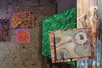 Mezinárodní umělecká všehochuť: Výstava Prague Art Cocktail se po roce vrátila do Prahy