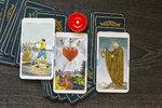 Tarotový horoskop na červen! Co vás čeká v lásce, zdraví a kariéře?