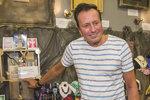 Bývalá hvězda Novy Baselides: Po trestu za krádež se věnuje andělům a kartám!