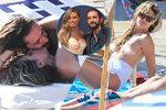 Topmodelka Heidi Klumová jako vdaná paní: Líbačka v moři a opalování nahoře bez!
