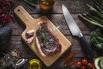 Jak udělat steak na grilu? Kupte to nejlepší hovězí a postupujte podle těchto receptů