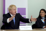 """""""Čarodějnice a piraňa."""" Britskou ministryni vyšetřují kvůli šikanování podřízených"""