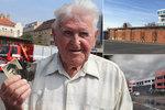 """Poslední dny """"protektorátní"""" hasičárny v Holešovicích: Rozloučit se přišel i pamětník! Nahradí ji moderní komplex"""