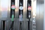 Ceny benzinu a nafty v Česku letí nahoru. Víme, kde šoféři ušetří