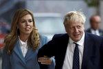 """Johnsonova """"vydřička"""" požaduje domácí porod. Britský premiér ho zřejmě zmešká"""