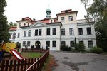 Praha 6 chce otevřít park Veleslavínského zámku. Na jeho opravu dá půl milionu
