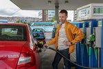 Benzin a nafta zlevnily v průměru pod 26 Kč za litr. Nejlevněji je na Plzeňsku