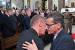 """Premiérovi zemřel otec. Babiš vyrazil na pohřeb do Varšavy: """"Statečný chlap,"""" hlesl"""