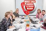 Příspěvek na péči či bydlení, rodičák i podpora: Ptejte se odborníků na telefonu Blesku!