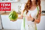 Jste přesvědčeni, že je zdravá strava drahá? Každý jídelníček můžete poskládat z potravin, které vaši peněženku pěkně provětrají. Tou nejdražší formou stravování jsou ale jednoznačně restaurace a jídla kupovaná za pochodu. Proto si svůj jídelníček předem promyslete a navařte si nejlépe až na tři dny dopředu, a to z potravin, které jsou zdravé a levné zároveň!