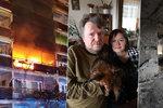 """""""Dusili jsme se a čekali konec."""" Invalidní manžele z hořícího domu v Praze zachránili hasiči. Sousedka zemřela"""